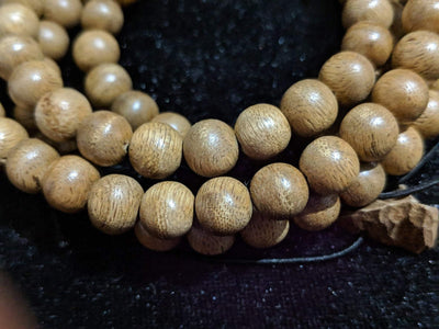 Mala beads *New* The Contentment Wild Borneo Agarwood Mala 8mm 20g 108 beads plus 6 extras and 1 piece of material