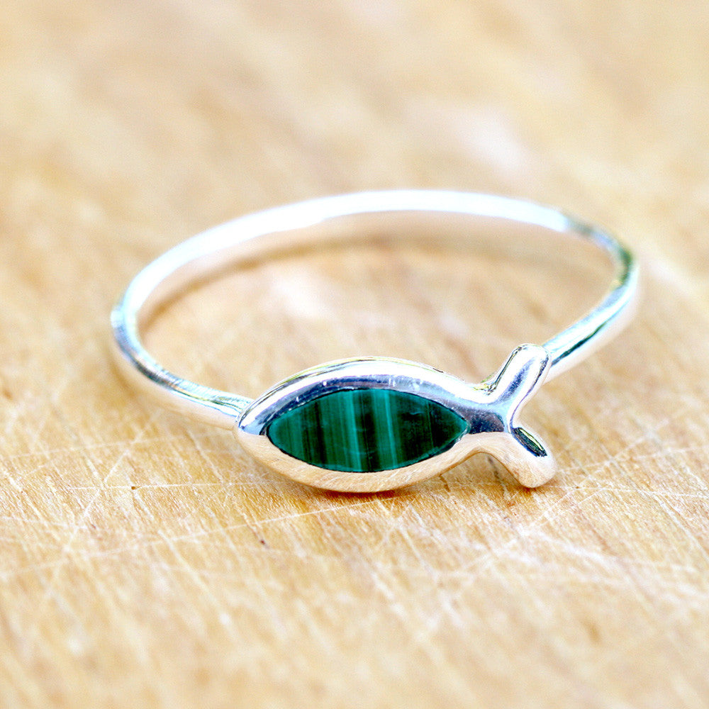 Green Opal Ring,Geode ring,October Birthstone,Birthstone Ring,gemstone ring,Agate ring,delicate ring,stone,gedoe,agate,silver,opal,dainty