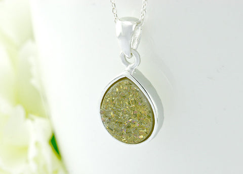 Druzy necklace,Drusy,Stone necklace,quartz necklace,geode necklace,gemstone,necklace,silver,druzy,stone,sparkle,statement,pendant,jewelry