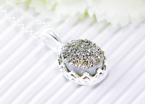 Druzy Necklace,Crown Necklace,Agate Necklace,Quartz,Gemstone Necklace,Stone necklace,Necklace,silver,jewelry,unique,delicate