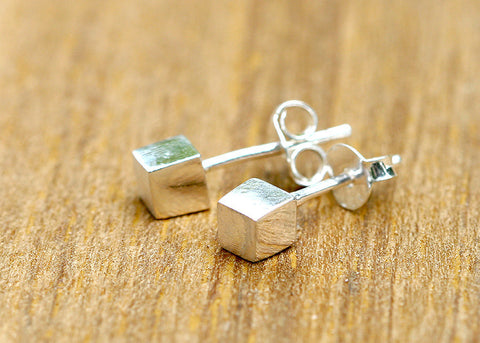 Silver Stud,Silver Earrings,Cubic Stud,Cubic Earring,Tiny Stud,Tiny Earrings,Love earrings,Lovely Earring,cubic