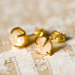 Rose Quartz Earrings,Gold earrings,Raw Stone Earrings,Raw Crystal Earrings,Stone,Stud earrings,Quartz Earrings,Rough Stone