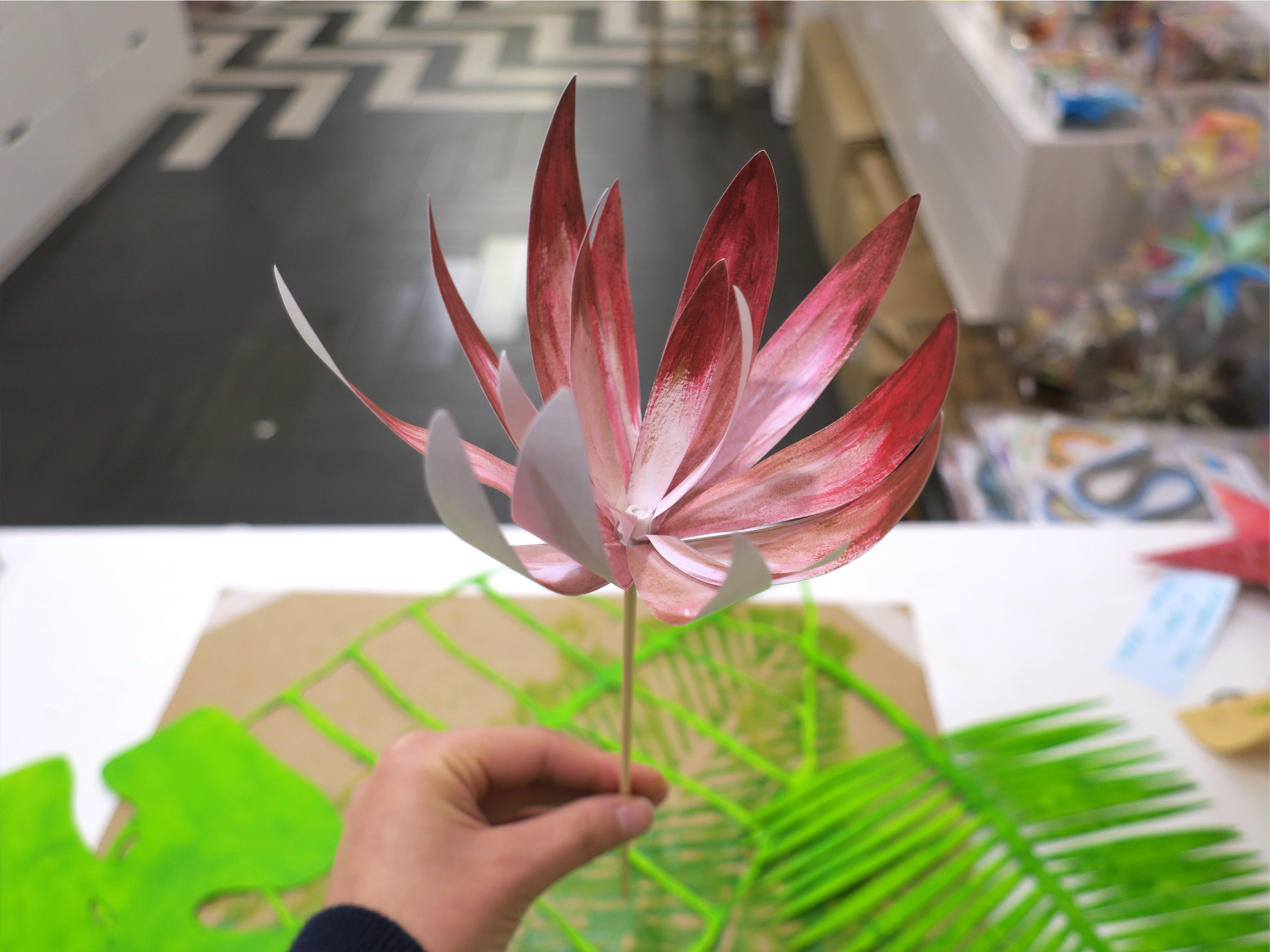 TROPICAL FLOWER & LEAVES PAPER ART
