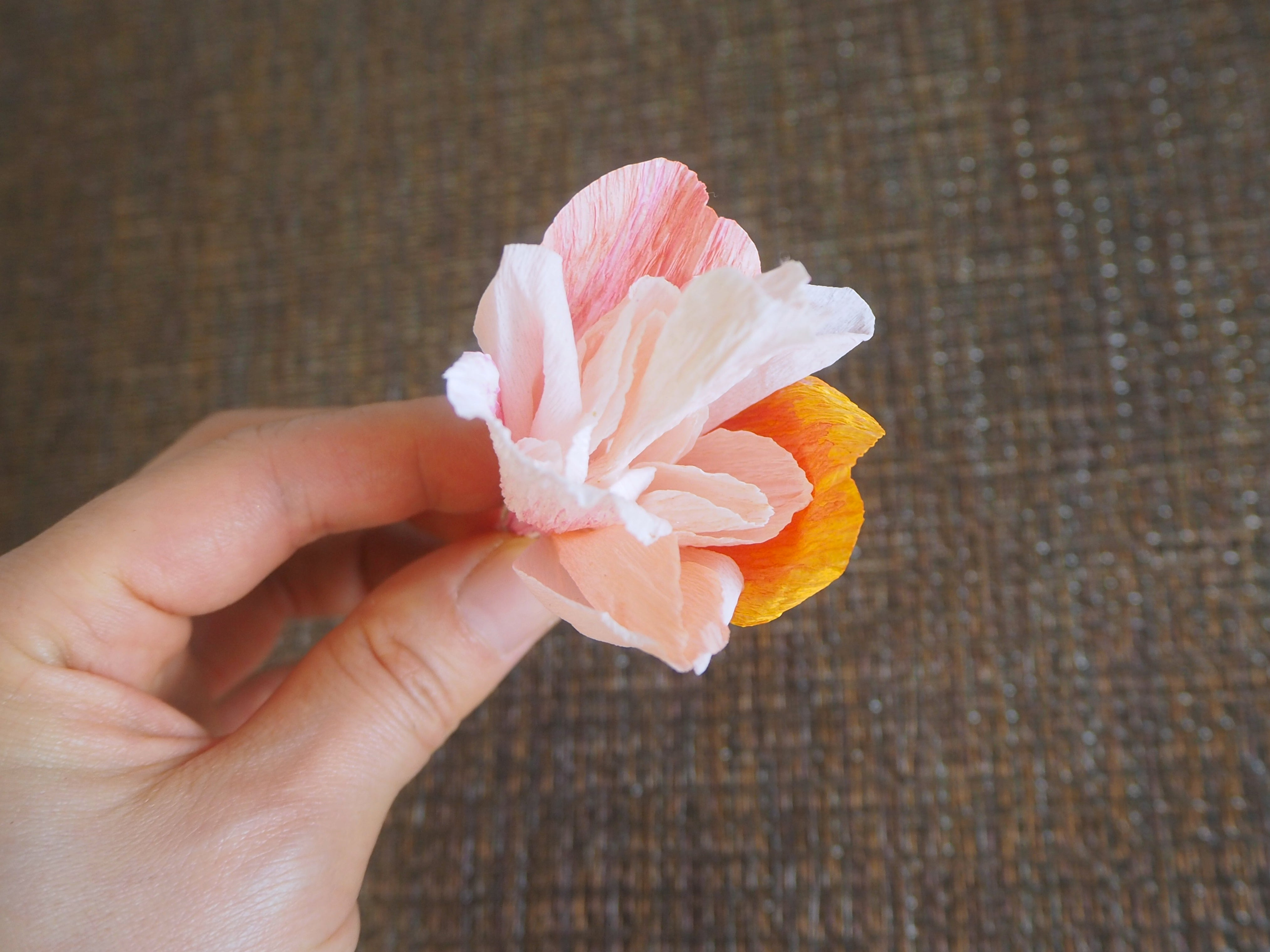 Crepe Paper Craft Rose Rosa Perle D'or Tutorial Tiffanie Turner The Fine Art of Paper Flowers