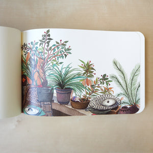 Lush Guilin Sketchbook 04 A heartwarming cover was illustrated by Wupéng from China, an independent illustrator.