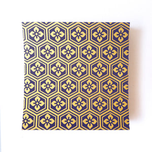 Pack of 100 Sheets 7x7cm Yuzen Washi Origami Paper HZ-106 - Purple Gold Tortoiseshell Diamond Flower - washi paper - Lavender Home London