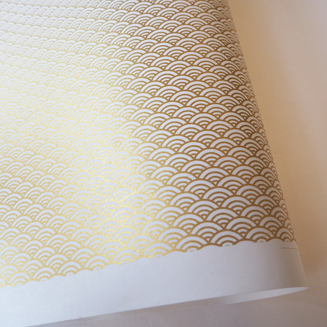Yuzen Washi Wrapping Paper - Gold Sea Waves White