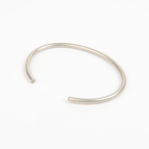 Béton Rod Bangle Silver
