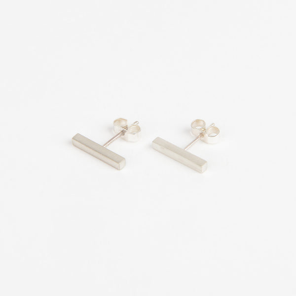 Béton Beam Earrings Short Silver