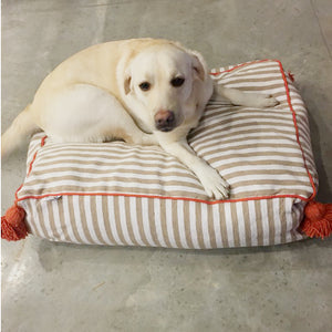 products/atelierBOEMIA_large_pet_bed_white_beige_orange_in_use.jpg