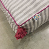 large PET BED - gray/white/fuchsia
