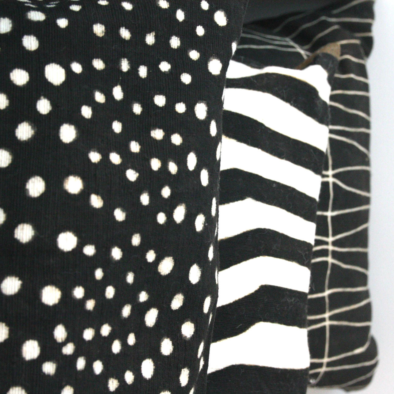 DOTS MUDCLOTH pillow cover medium BLACK