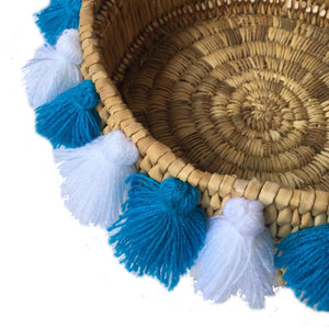 SEVERINE basket with tassels- small WHITE/TURQUOISE
