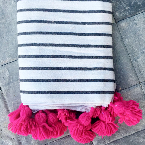 ASSIA throw - white/grey/fuchsia