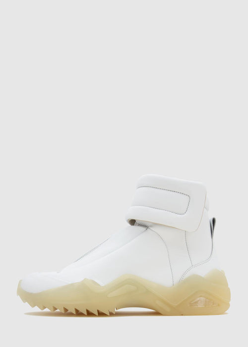 /products/future-high-top-s37ws0492-p2589-wht