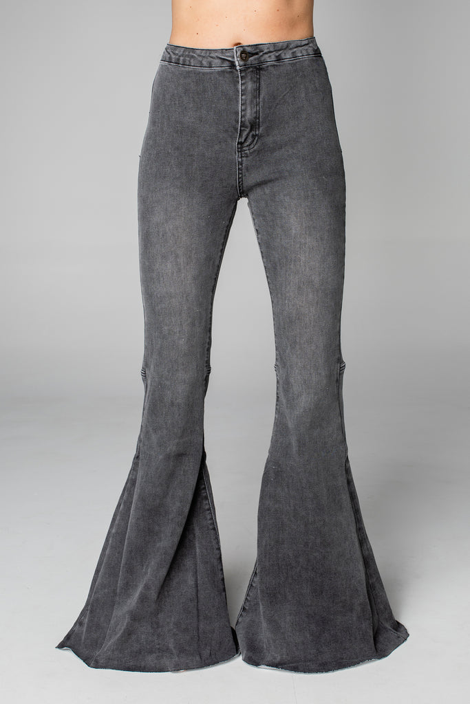 BuddyLove Moonshine High-Waisted Flared Jeans - Grey