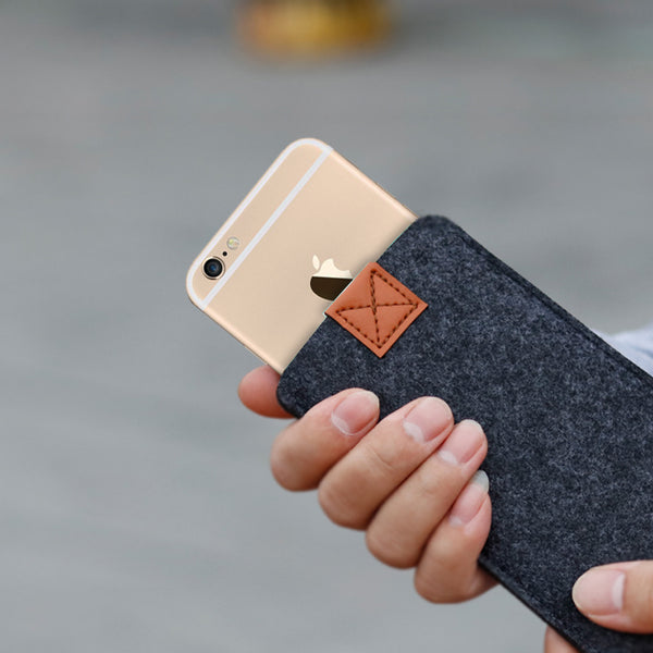 the FELT cover for iPhone