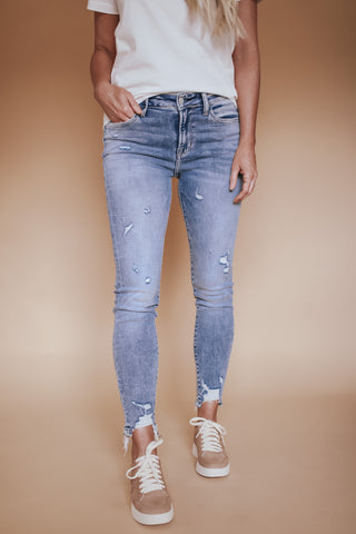 Mid rise distressed ankle jeans. Flying Monkey brand