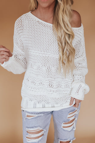 Slouchy open knit sweater. white.
