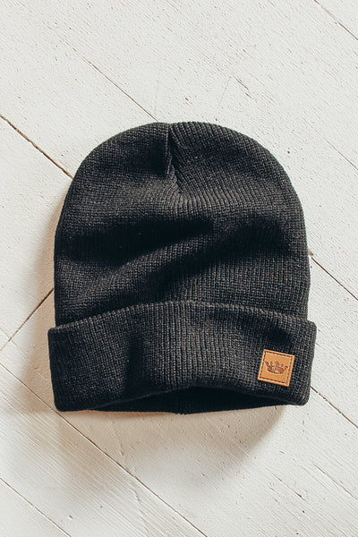Black fleece lined beanie.