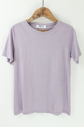 Basic lavender short sleeve tee.