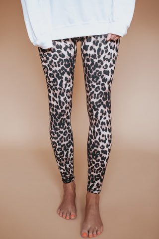 Women's leopard print yoga leggings.