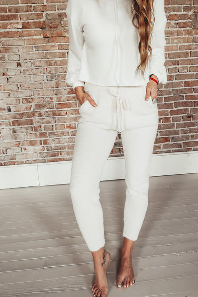 Women's cozy loungewear jogger pants.