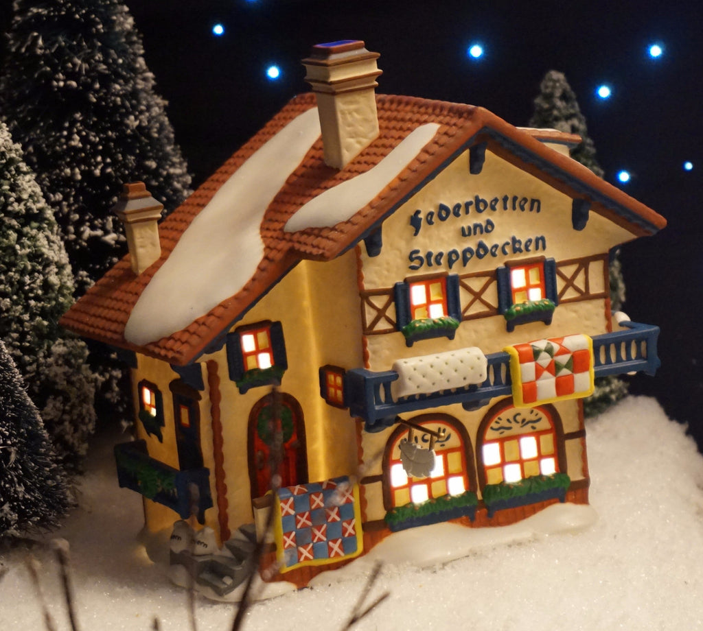 Department 56 Alpine Village Series - Federbetten Und Steppdecken. Item number 56176.