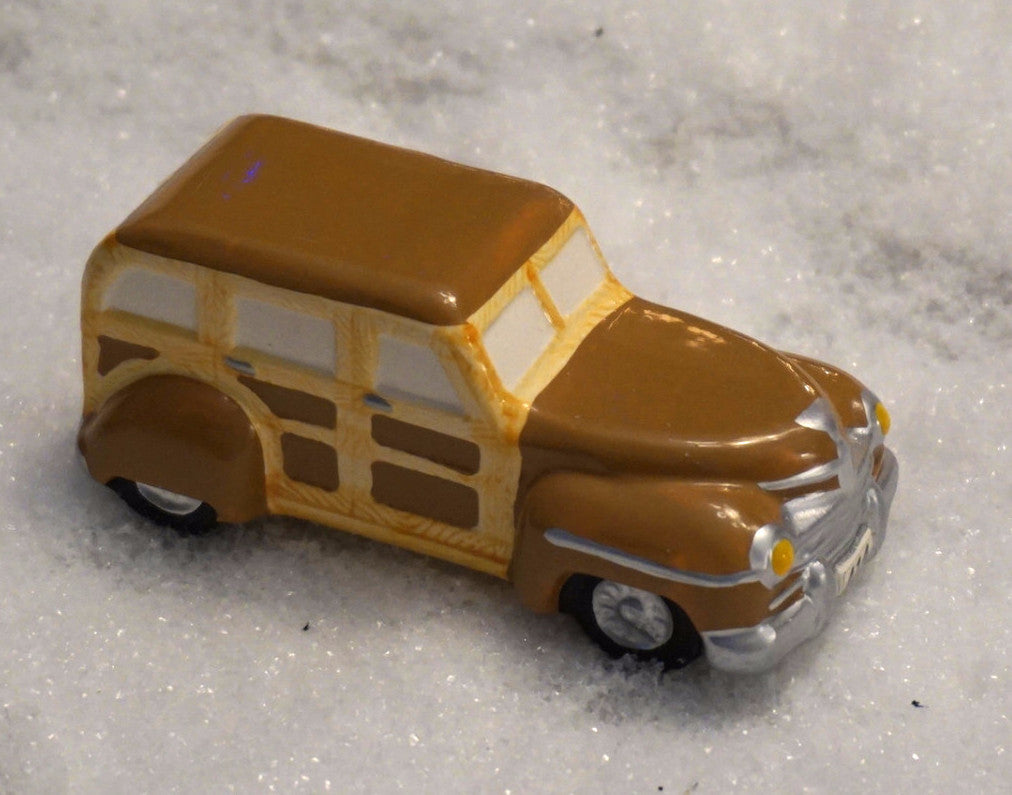 Department 56 Snow Village Series - Woody Station Wagon. Item number 51365.
