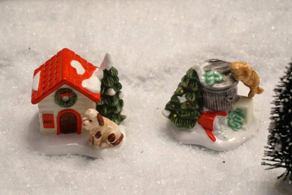 Department 56 Snow Village Series - Cat and Dog. Item number 51314.