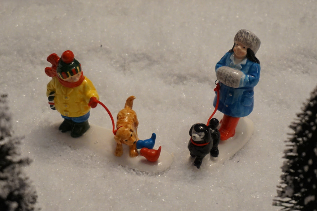 Department 56 Snow Village Series - Pets on Parade. Item number 54720.