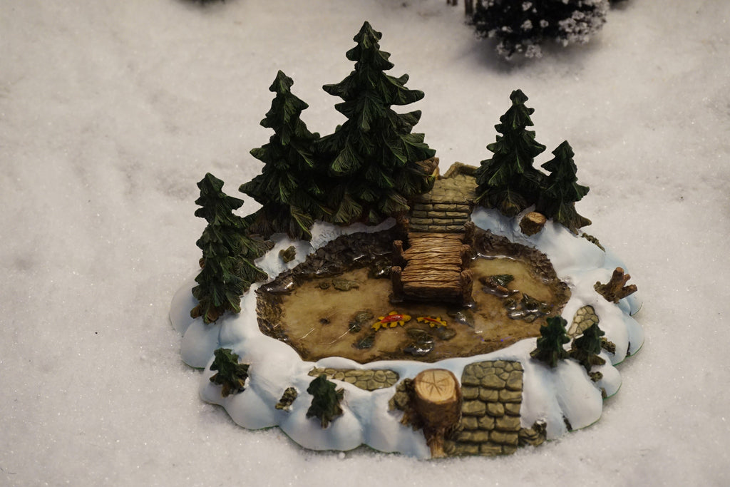 Department 56 Village Series - Pine Point Pond. Item number 52618.
