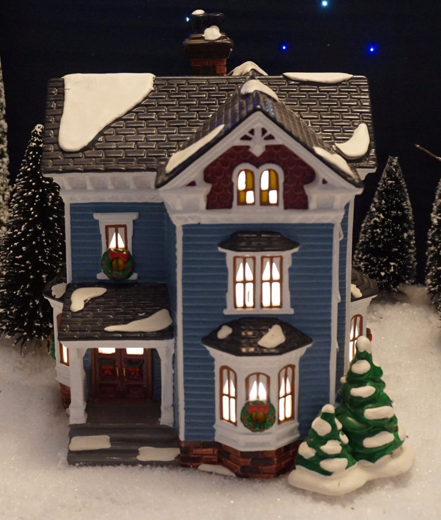 Department 56 Snow Village Series - Glenhaven House. Item number 54682.