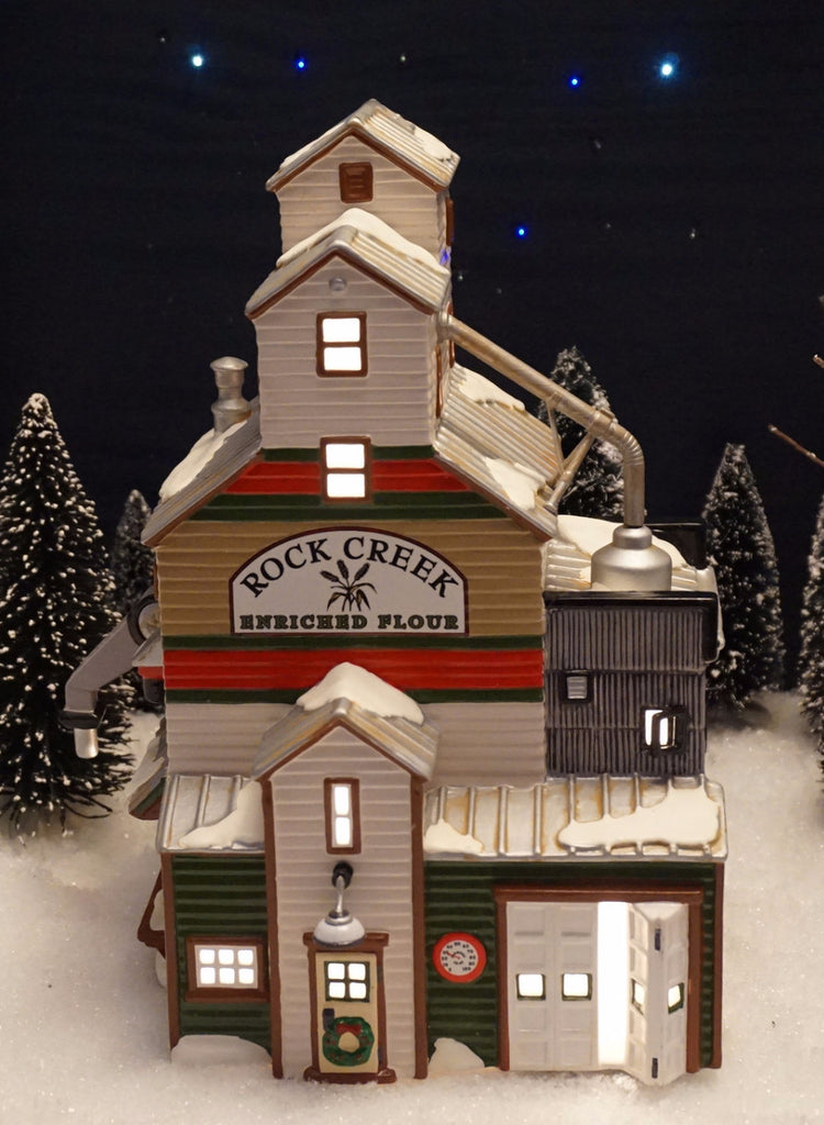 Department 56 Snow Village Series - The Farmer's Co-op Granary. Item number 54946.