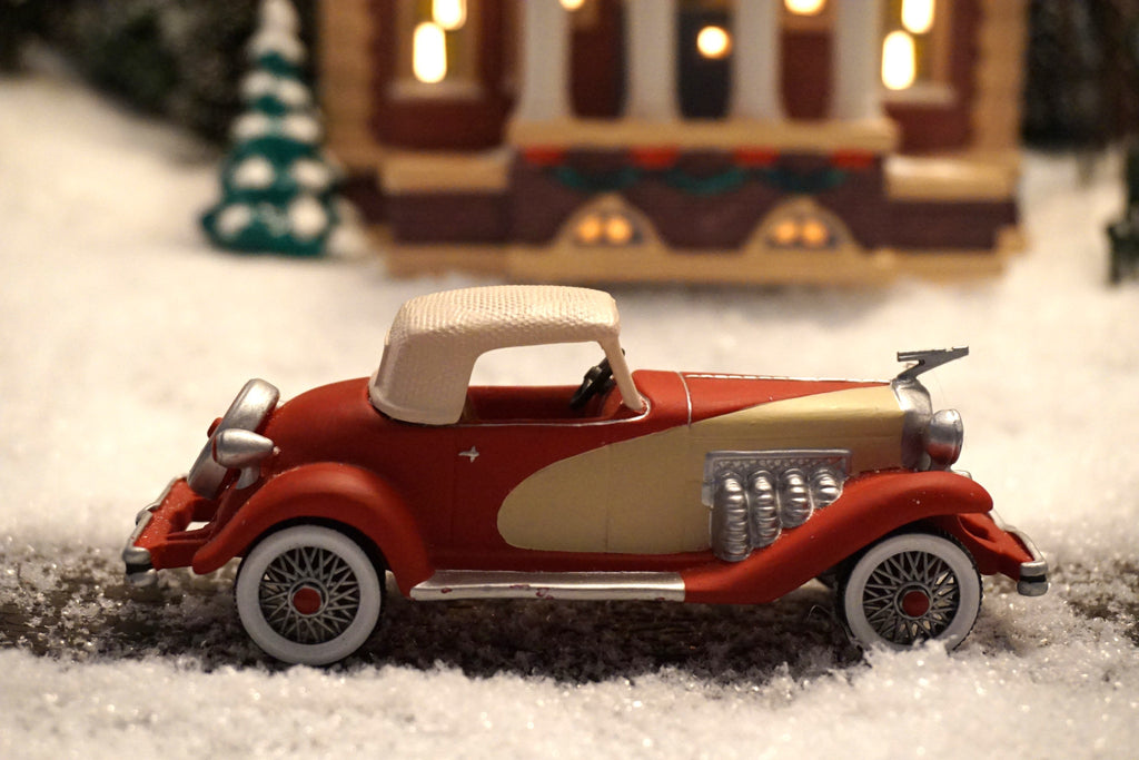Department 56 Christmas in the City Series - 1935 Duesenberg. Item number 58964.