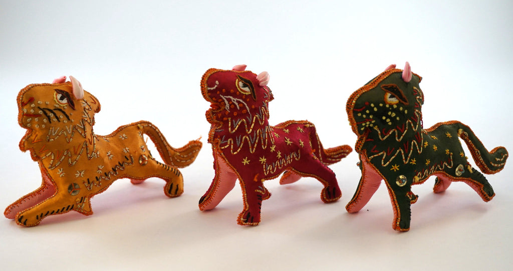 Silk Embroidered Lion Figurines
