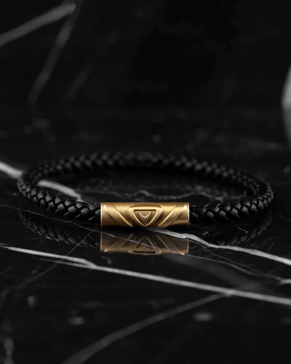 Men's Luxury Black Croc Italian Leather Single Braided Bracelet Strap Gold Clasp