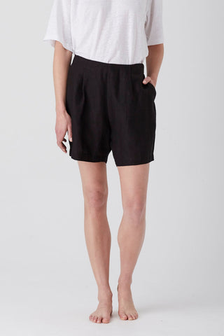 Black Iris Bermuda Short