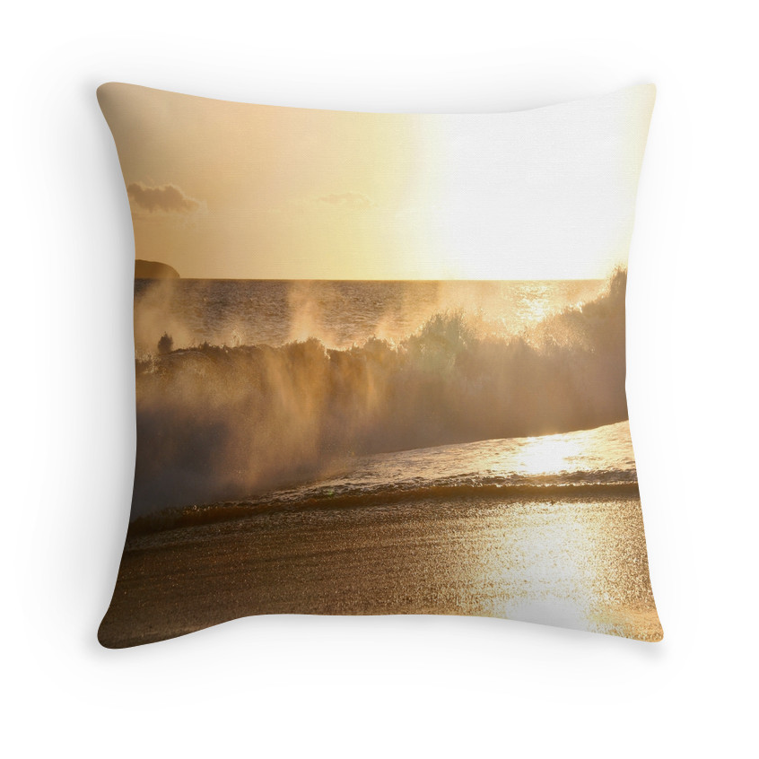 Makena Golden Wave Pillow