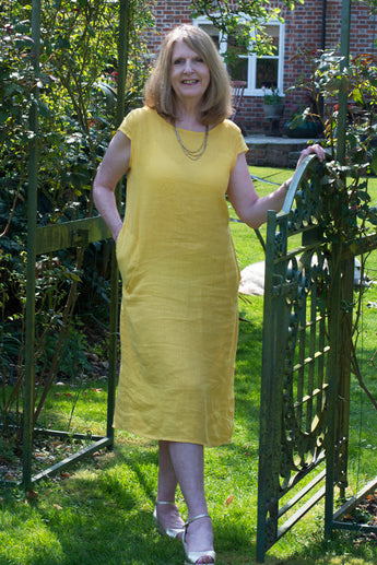 KNEE LENGTH SOFT LINEN DRESS WITH SOFT RIBBED JERSEY SIDE INLET & POCKETS