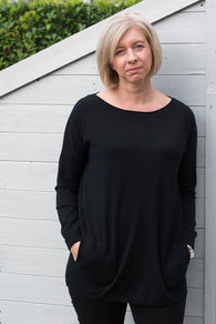 PEARL BUTTON BACK JUMPER WITH STRAIGHT HEM AND SECRET POCKETS