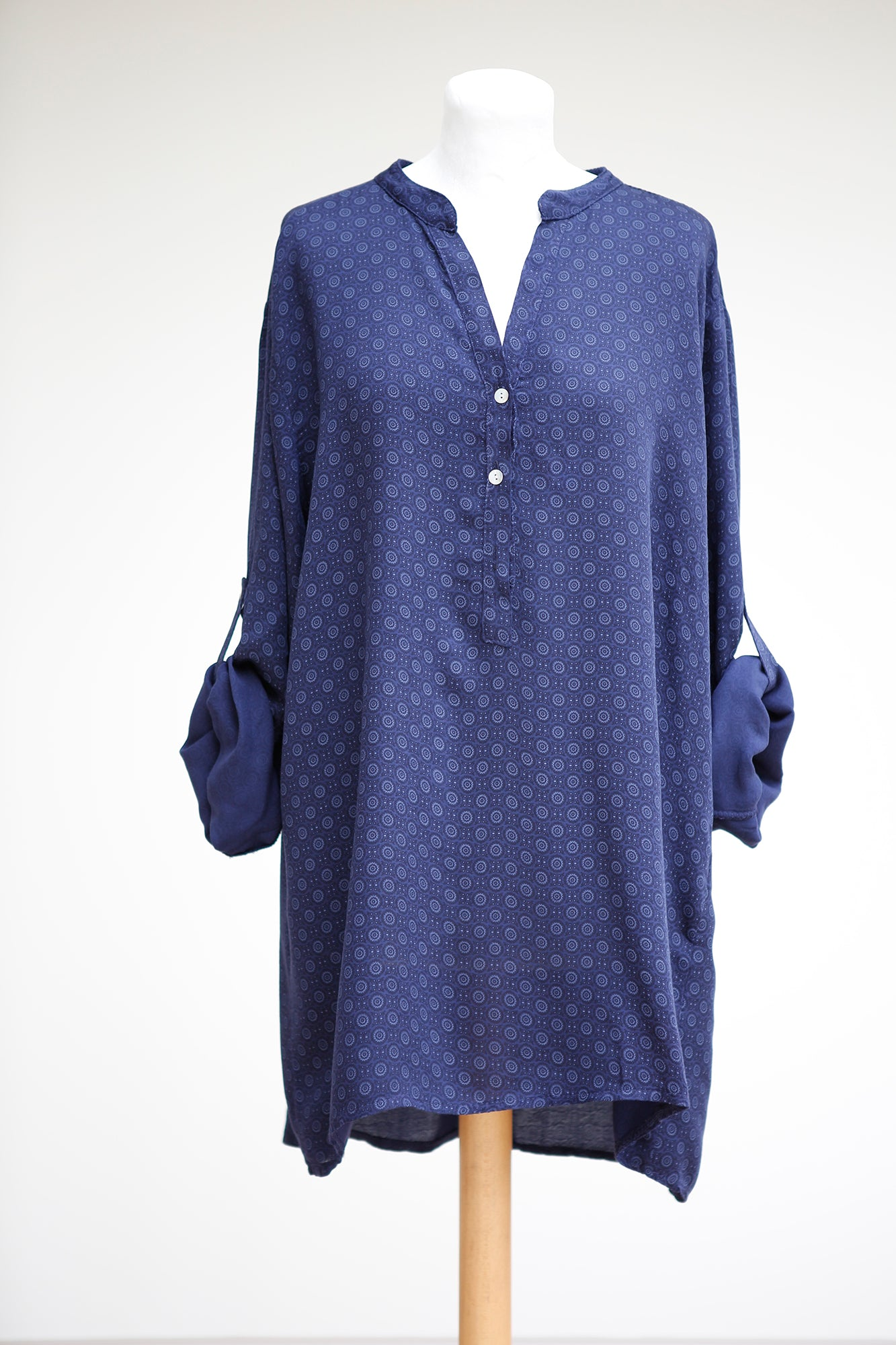 TILE PRINTED LOOSE FIT SHIRT WITH DROP BACK AND SHELL BUTTONS