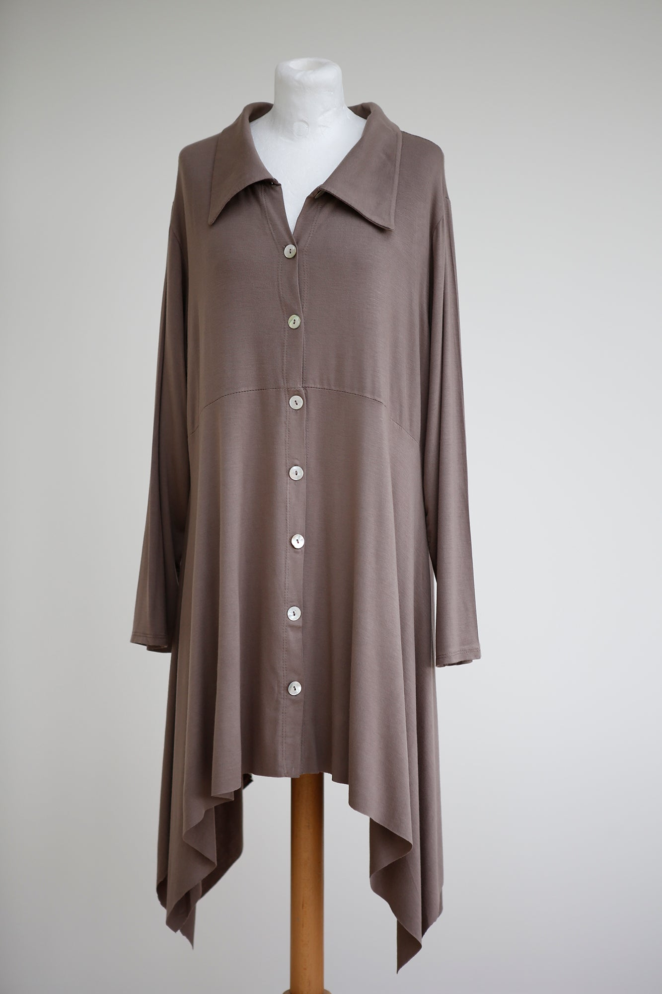 LONG LINE ASYMMETRIC SHIRT/JACKET WITH SHELL BUTTONS