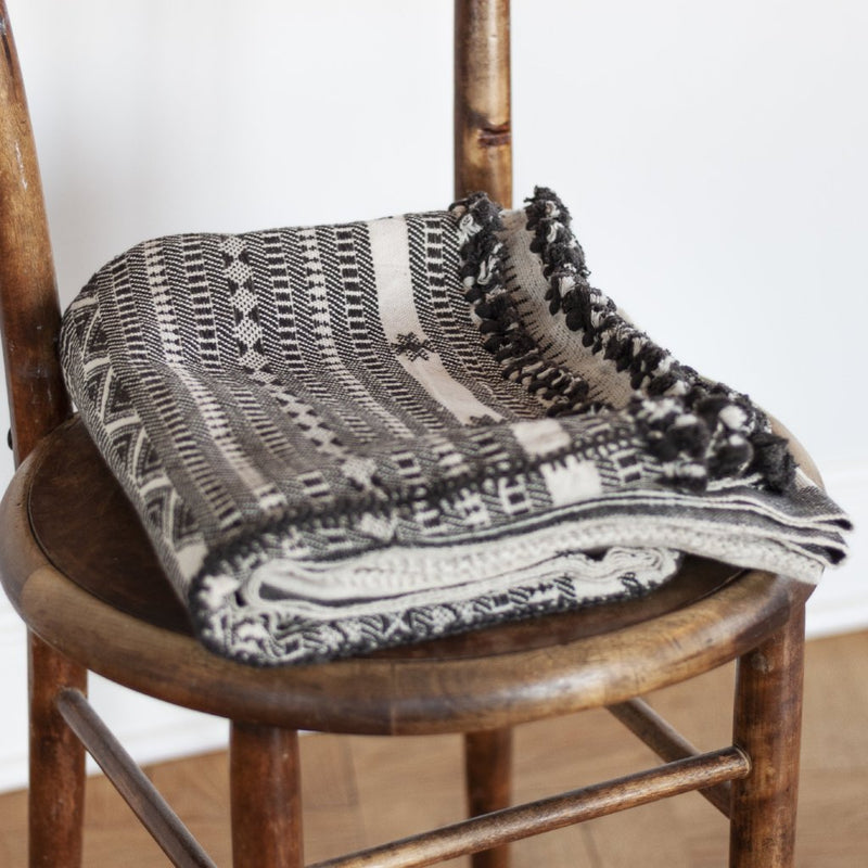 NOMADIC COTTON BLANKET by Tikau (natural white and black)