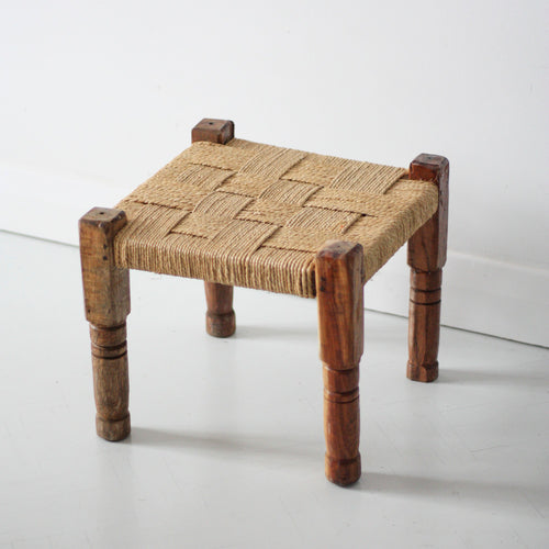 STOOL WITH WOODEN BASE AND HANDWOVEN WITH MOONJ GRASS DORI