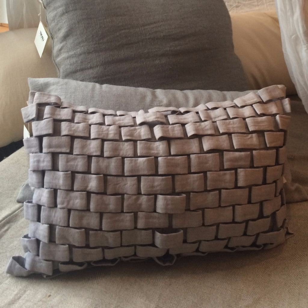 HOOK CUSHION by Tikau (grey)