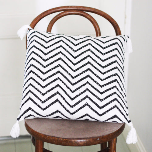 BLACK AND WHITE ZIGZAG CUSHION COVER by Tikau