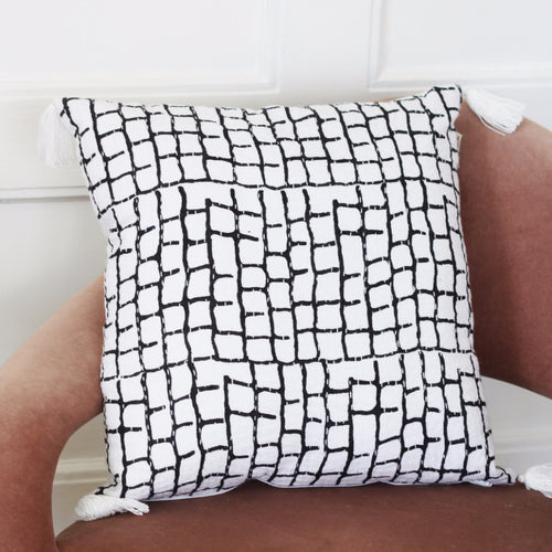 BLACK AND WHITE CUSHION COVER by Tikau