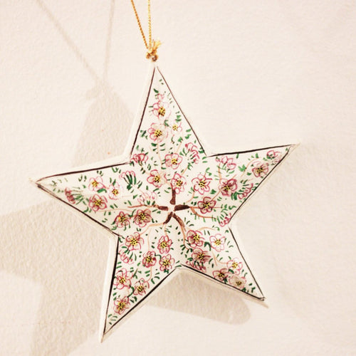 CHRISTMAS STAR (WHITE) L by Tikau