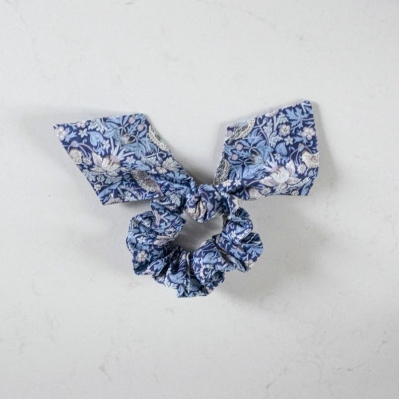 LIBERTY HAIR SCRUNCHIE by Tikau Merikatu (Blue)
